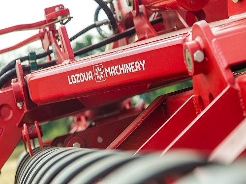 LOZOVA MACHINERY HAS DEMONSTRATED THE IMPLEMENTS IN ANOTHER THREE REGIONS OF THE COUNTRY