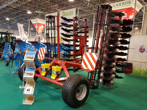 LOZOVA MACHINERY presented the disc harrow to the Hungarian farmers