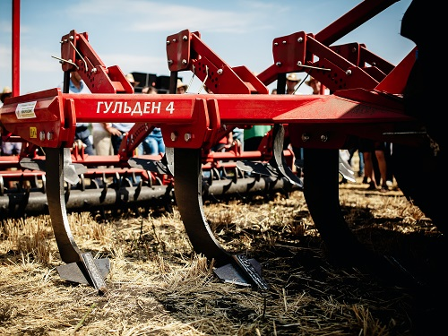 LOZOVA MACHINERY OPENED THE AUTUMN DEMONSTRATION SEASON AT THE AGROTITANS BATTLE