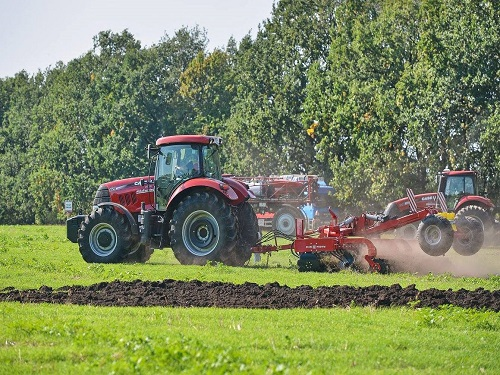LOZOVA MACHINERY PRESENTED DISC HARROWS AT THE FIELD DAY CASE IH UKRFARMIG