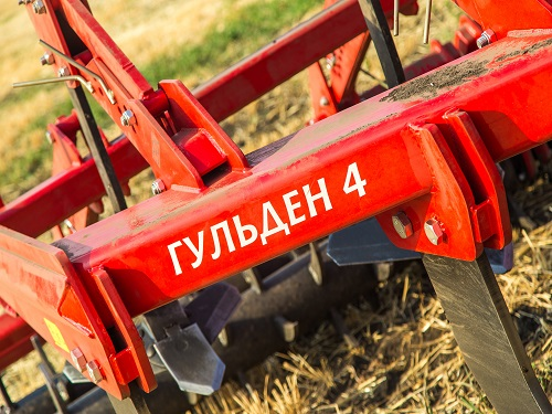 "LOZOVA MACHINERY AT THE FIELD DAY ""UKAGROZAPCHASTYNA"""